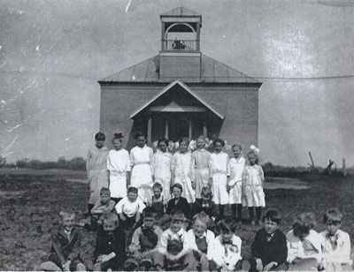 """Tin Box"" School students in 1917."