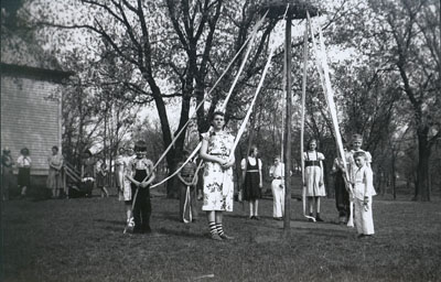 Munger School Students with May pole in 1920
