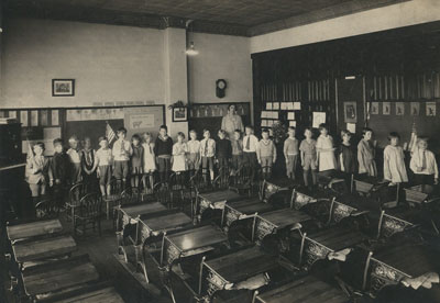 Mahtomedi School students in 1926