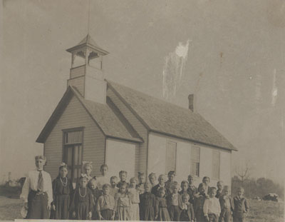 Stromberg School and students in 1903